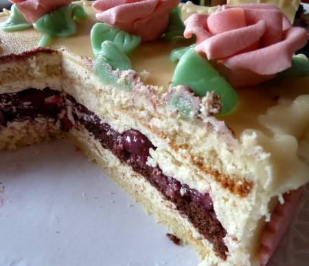 Kirsch-mandel Torte
